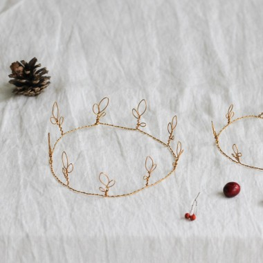 Handmade crown by Astrid Lecornu