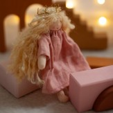 Handmade crown by Astrid Lecornu