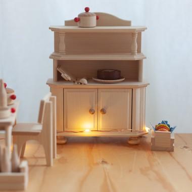 Vaisselier de maison de poupée