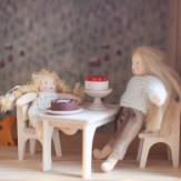 Table et chaises de maison...