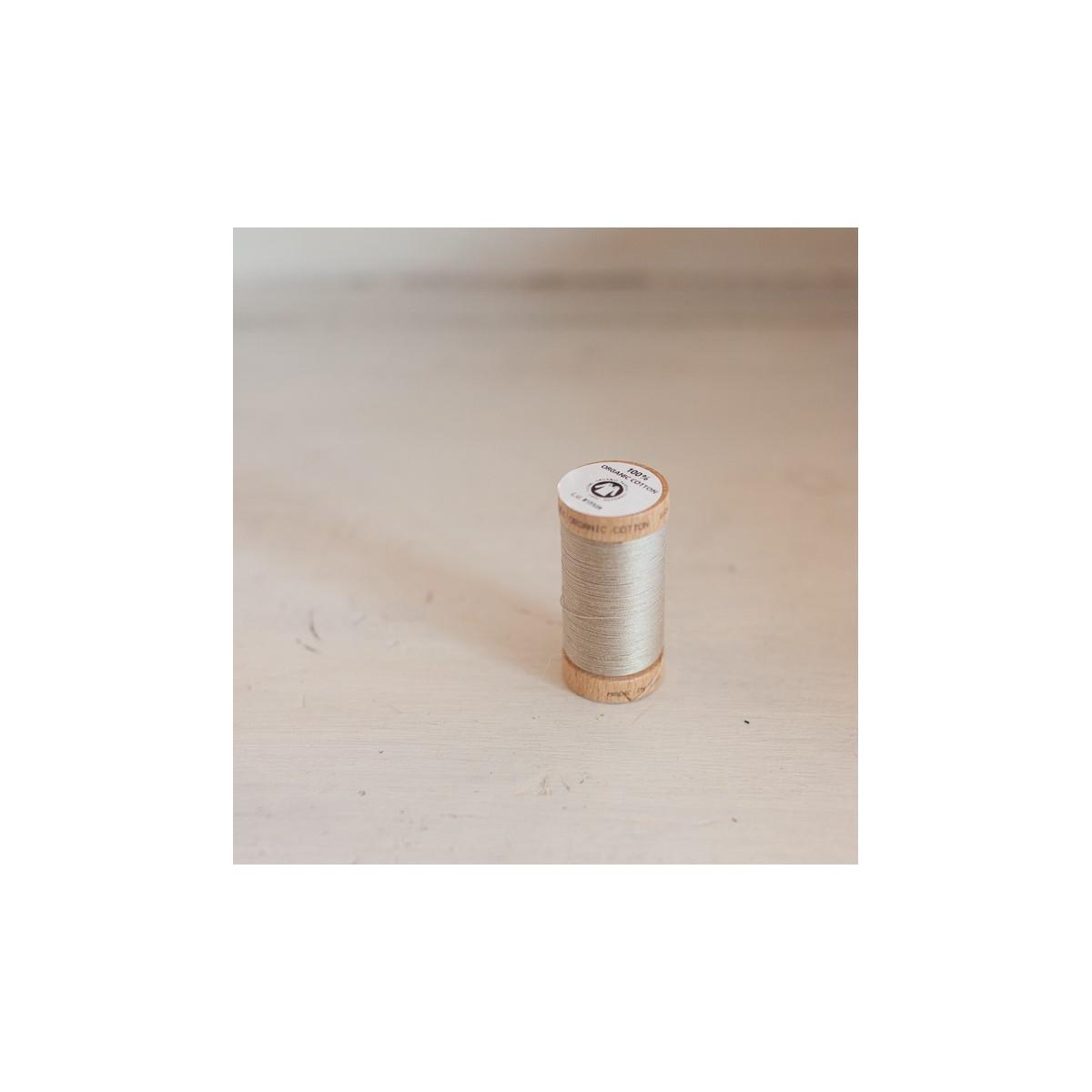 Bobine de fil de coton bio café